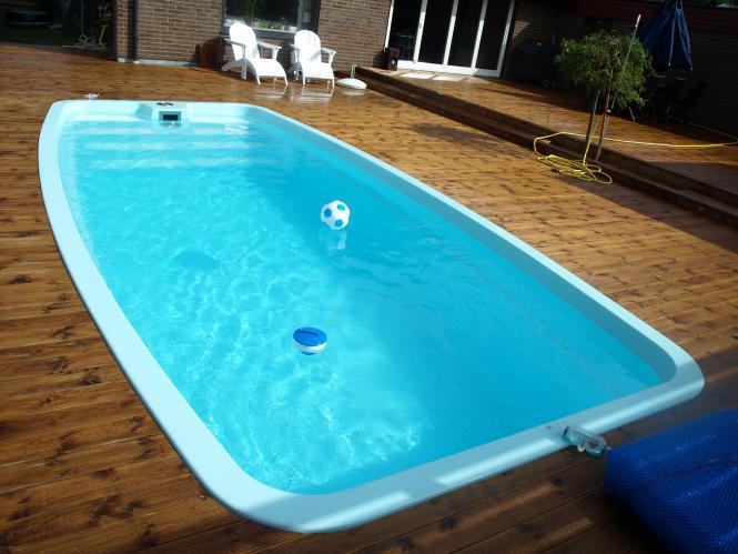 compositevietnam-Tìm hiểu chi tiết về bể bơi composite